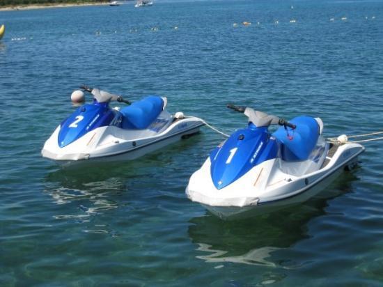 Diklo, Kroasia: Vesijetit. Käytiin ajelulla. Oli aika siistiä.