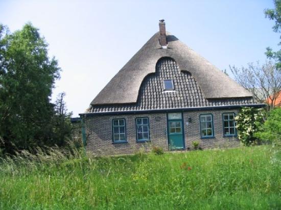 Hoorn, The Netherlands: une maison typique du pays