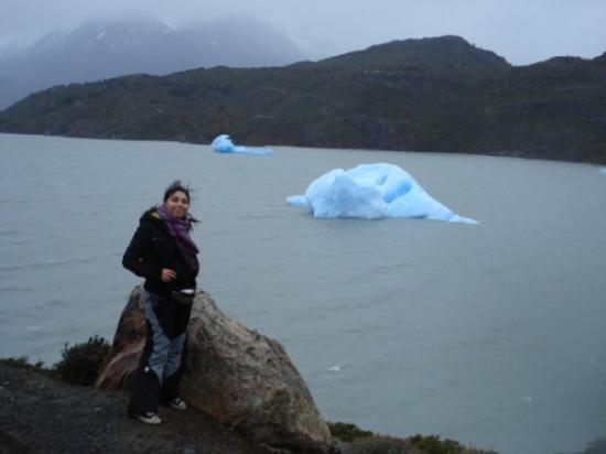 Glacier Grey: Puerto Natales, Chile - Lago Grey