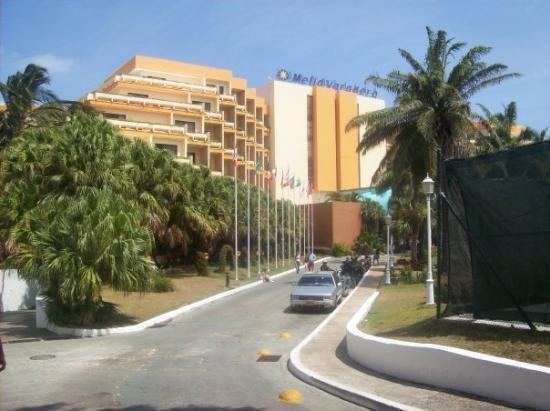 Voici une autre resort visitée La melia America Très jolie aussi!!!  P -> Cuba Para Banheiro Joli
