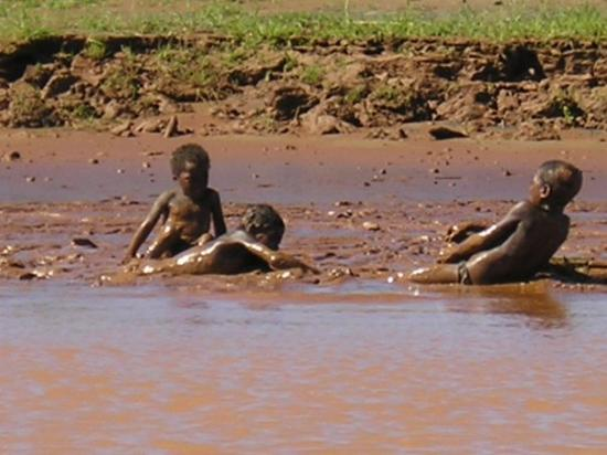 Madagascar Exotic: giocano nella sabbia