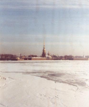 ป้อมปีเตอร์แอนด์พอล: Looking across the frozen River Neva towards St Peter Paul Fortress