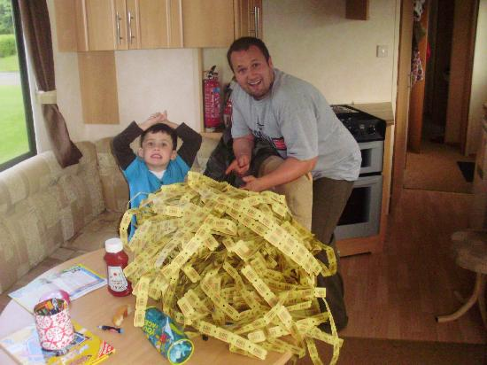 Thorpe Park Holiday Park - Haven: We nicknamed our son Jackpot after this win of 3600 tokens!