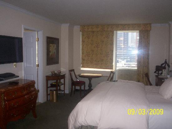 The Kimberly Hotel: Room