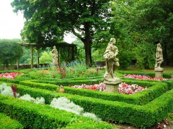 Reichsstadtmuseum: Imperial Castle Gardens