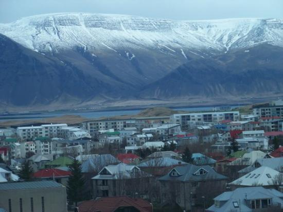 Gateway to Iceland: Mountain view from the city