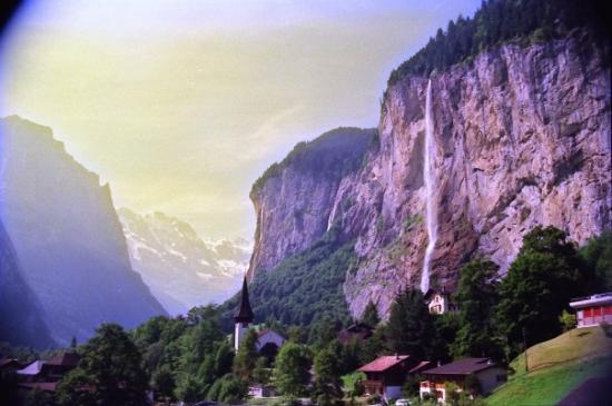 Lauterbrunnen Valley Waterfalls: View going up Jungfrau