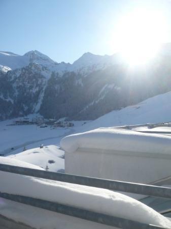 Alpenbad Hotel Hohenhaus: blick vom balkon auf den gletscher