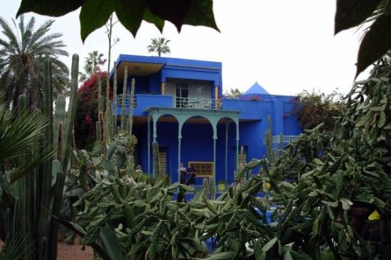 la villa bleu dans les jardins de majorelle picture of marrakech marrakech tensift el haouz. Black Bedroom Furniture Sets. Home Design Ideas