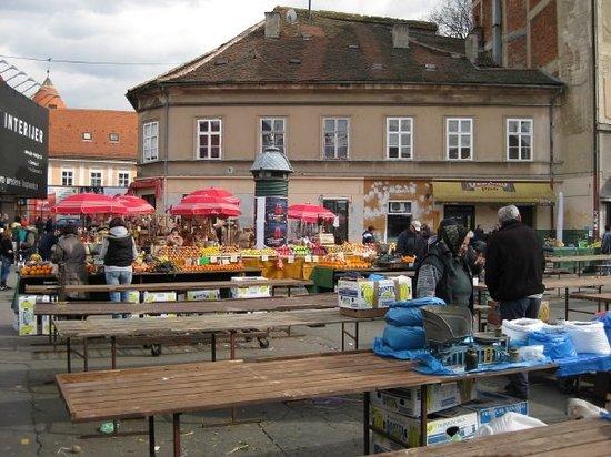 Рынок Долац