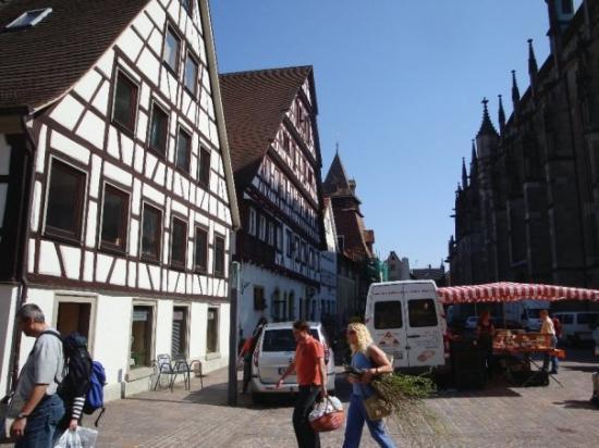 Schwäbisch Gmünd, Deutschland: Down an alley
