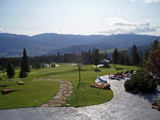 Big EZ Lodge: Overlooking the Gallatin River valley