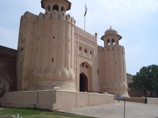 Things To Do in Lahore Fort (Shahi Qila), Restaurants in Lahore Fort (Shahi Qila)
