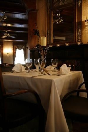 Maple Manor Hotel: Piano & Cake Display Area