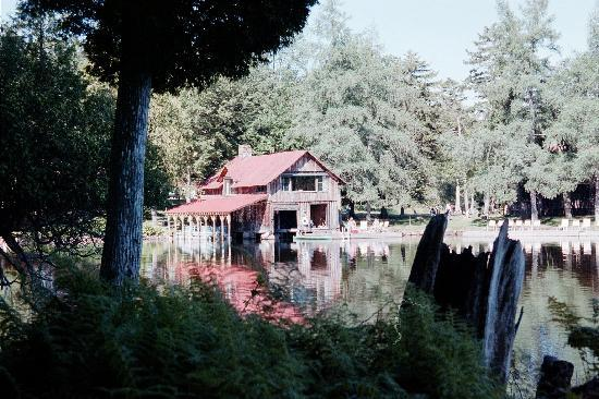 Covewood Lodge: Boathouse