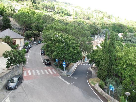 Villa Marsili : Road on right side of Marsili for parking