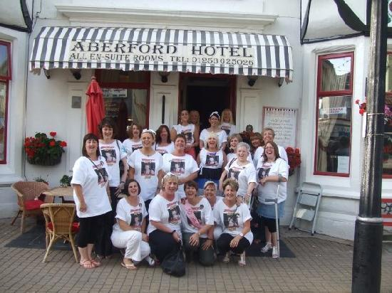 Aberford Hotel: 21 of us outside hotel