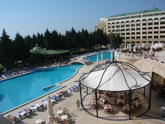 Sol Nessebar Palace: outside swimming pool