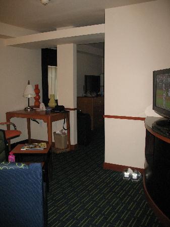 Fairfield Inn & Suites Portland North : Sitting area from near the bathroom