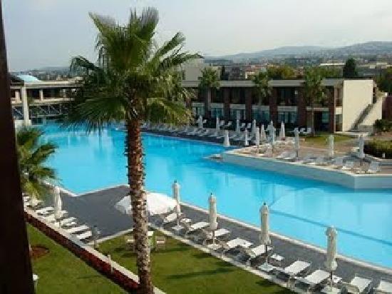 Hotel Nikopolis Thessaloniki: the pool