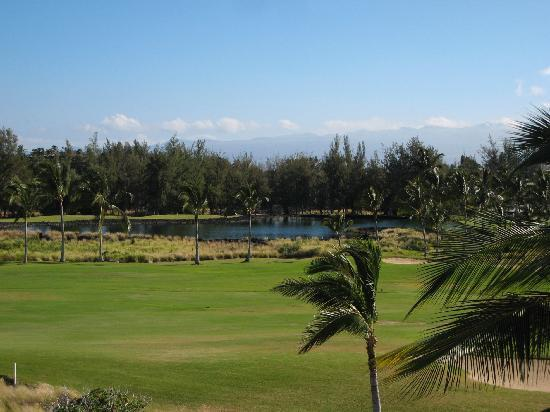 Outrigger Waikoloa Beach Villas: golf course view
