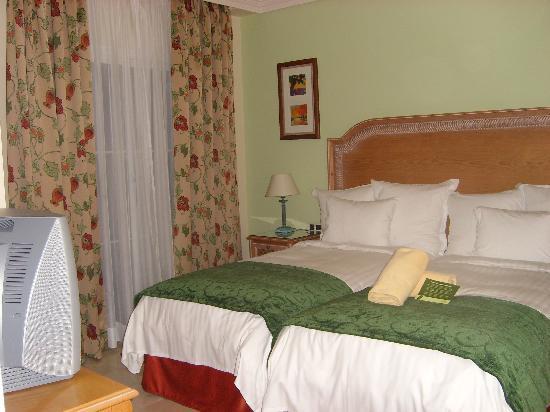 Marriott's Marbella Beach Resort: Bedroom 2