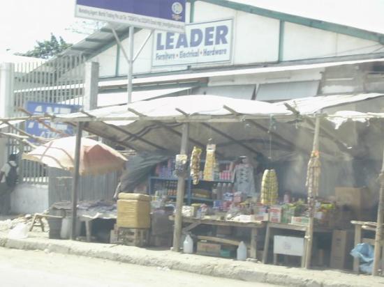 ดิลี , ติมอร์ตะวันออก: el Supermercado.....no carrefour, no jumbo, no walmart no?  no!   el Leader