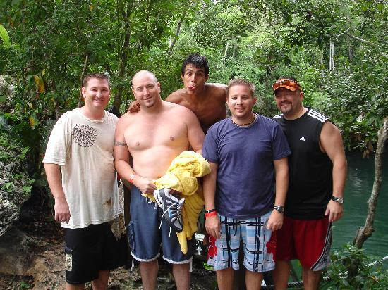 Selvatica: bachelor party adventurers