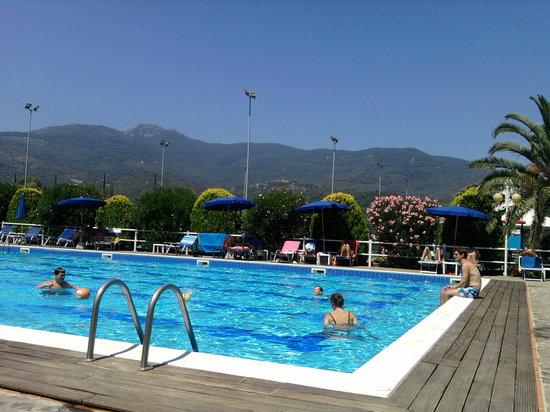 Hotel Dei Coralli: piscina