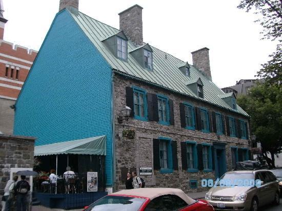 Auberge Michel Doyon : Quebec City is filled with wonderful architecture one finds usually only in Europe