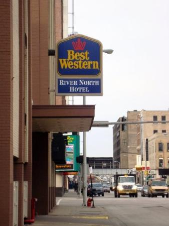 Best western picture of best western river north hotel for Best hotel location in chicago