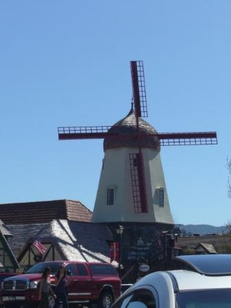 the windmill in solvang, ca