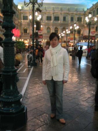 Casino at Venetian Macao: The internal shopping area of Venetian Casino