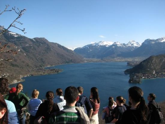Lac d'Annecy: The Alps! And some students
