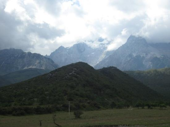 Yulong (Jade Dragon) Mountain ภาพถ่าย