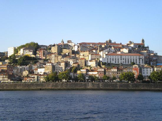 Ibis Porto Gaia: Oporto visto desde el otro lado de la orilla del duero