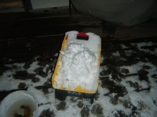 คอลเลจสเตชัน, เท็กซัส: Tonka truck filled with a load of snow