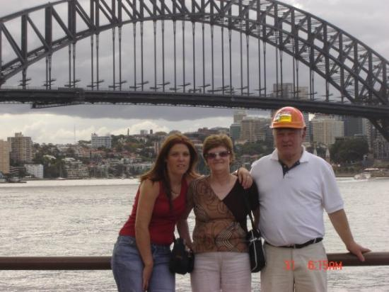 BridgeClimb: me and my mam n dad ,ah shooks!
