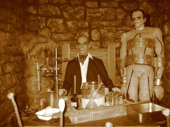 The Wax Museum at Fisherman's Wharf: Boris Karloff as himself, as Frankenstein's monster and as the Mummy