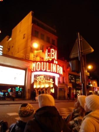 moulin rouge in montmartre looked like a seedy strip club in the middle of the day picture of. Black Bedroom Furniture Sets. Home Design Ideas
