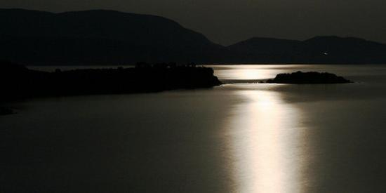 Finikounda, Hellas: sea at night (full moon)