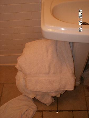 Mainstay Inn: bathroom