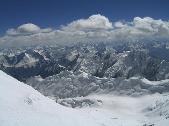 Бишкек, Киргизия: vieuw to tadschikistan