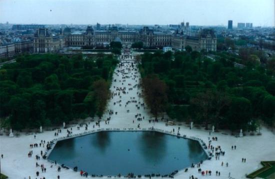 Rue Cler: Ujna vista del Louvre