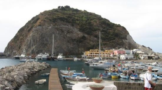 อิสเกีย, อิตาลี: Ischia