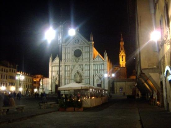 Piazza Santa Croce: Santa Croce, ancora