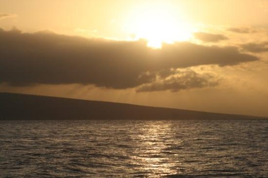 Ka'anapali, HI: Another beautiful sun setting!