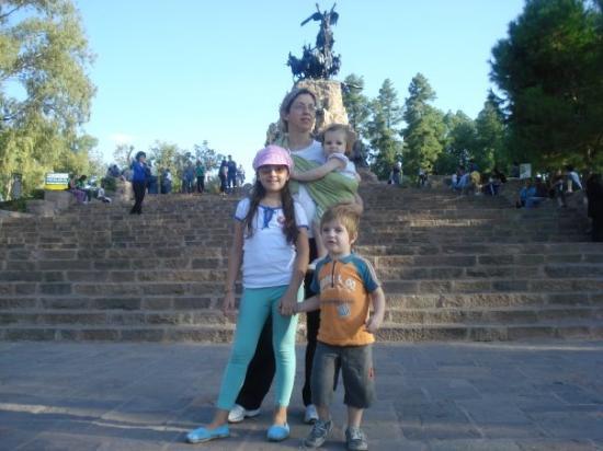 ปาร์คเจเนอรัลซานมาร์ติน: Cerro de la gloria, Pque san martin, Mendoza