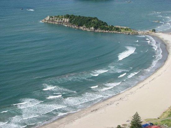 Maunganui Beach: The beach