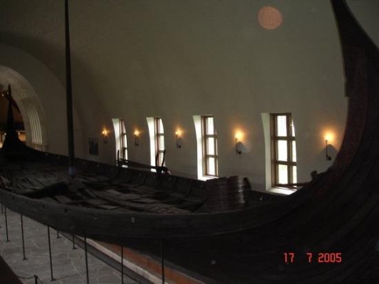 พิพิธภัณฑ์เรือไวกิ้ง: Viking